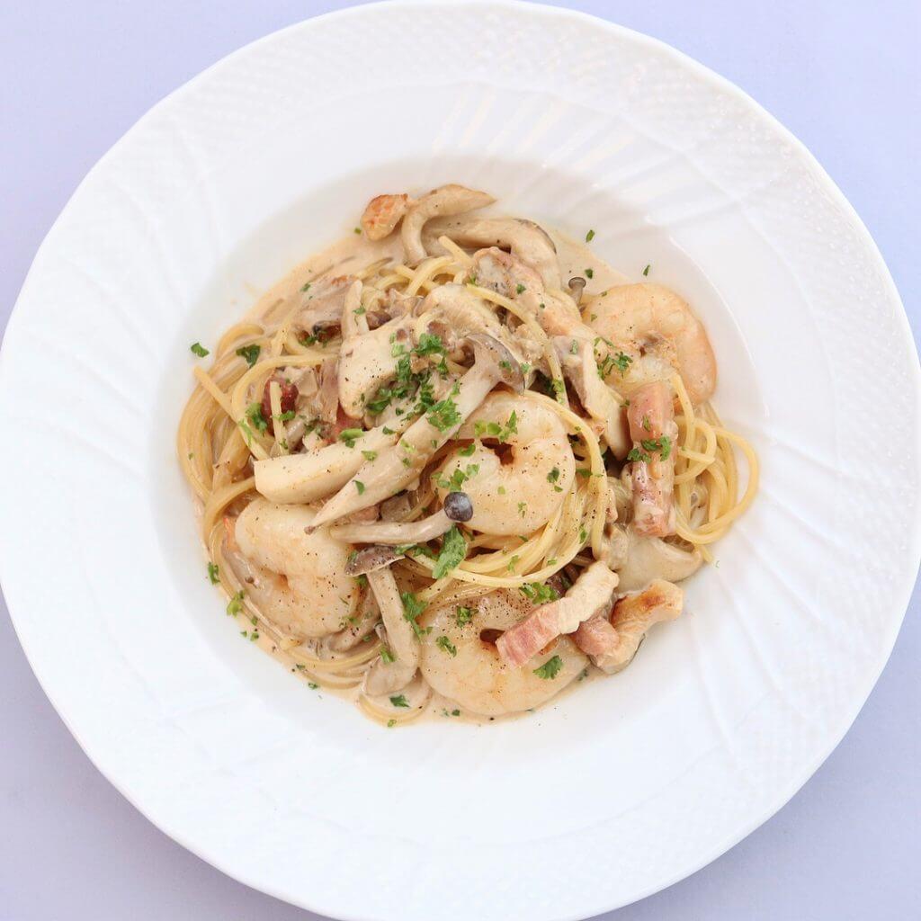 ランチ限定 エビと色々キノコのポルチーニクリームソース スパゲッティーニ