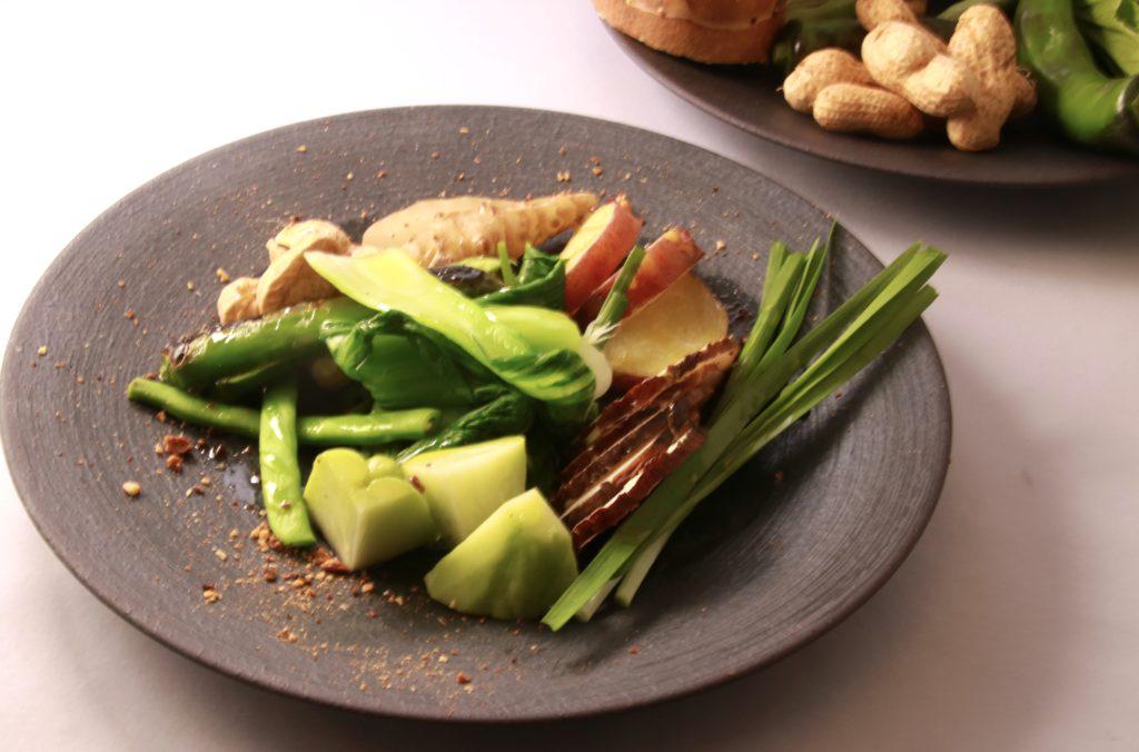 高知県 四万十産有機野菜のサラダ