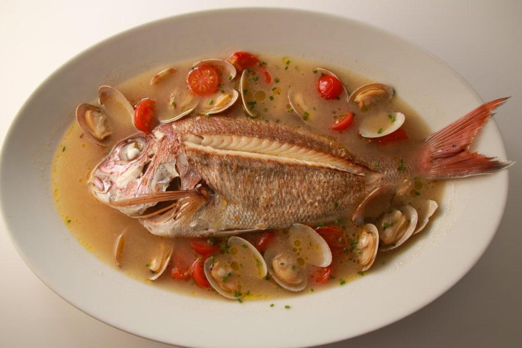 産地直送1本魚のアクアパッツァ