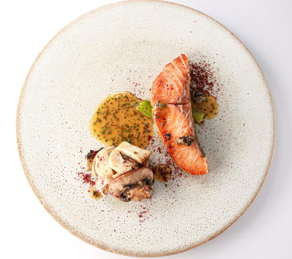 秋のコース お魚料理